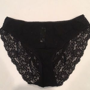 Soma black lace panties size small